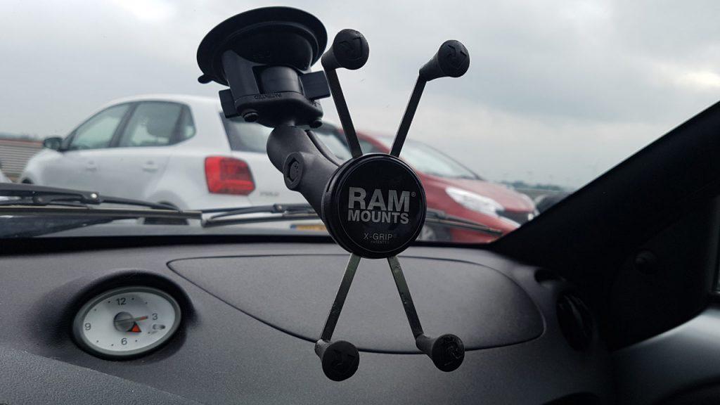 RAM X-Grip met autosteun en zuignap