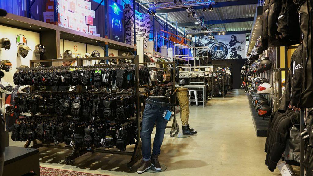 showroom voordeelhelmen.nl